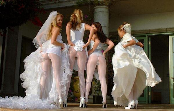 damas de honor mostrando trasero 2